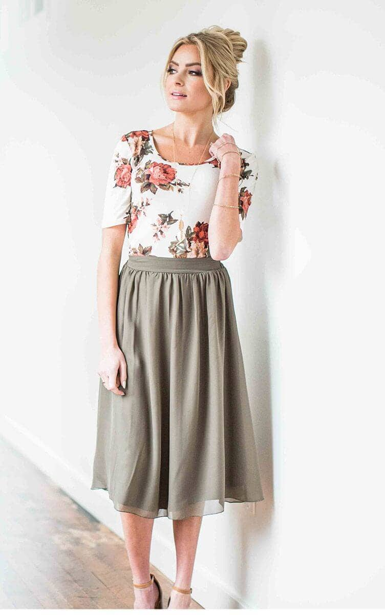 Flattering, Form-fitting Rose-print Top