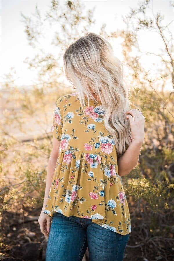 Sunny, Frilly Summer Top