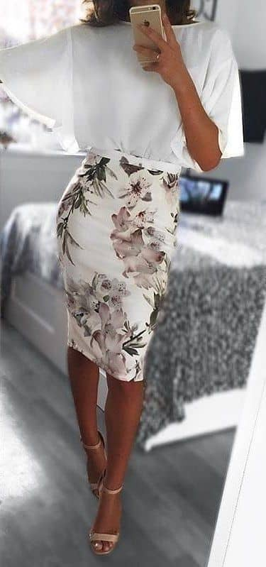A Flirty Floral Attire Will Not Disappoint