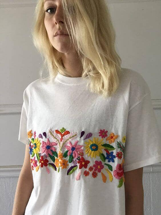 Simple but Cute White T-Shirt with Embroidery