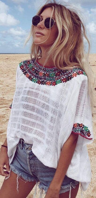 Embroided white Cardigan with Shorts