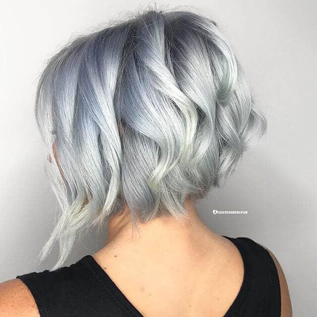 Simple Short, Wavy Haircut for Women
