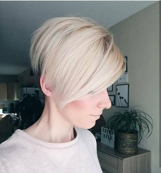 Cool Angled Bob for Fine Hair