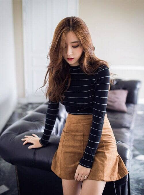 Simple Fit and Flared Miniskirt with Striped Top
