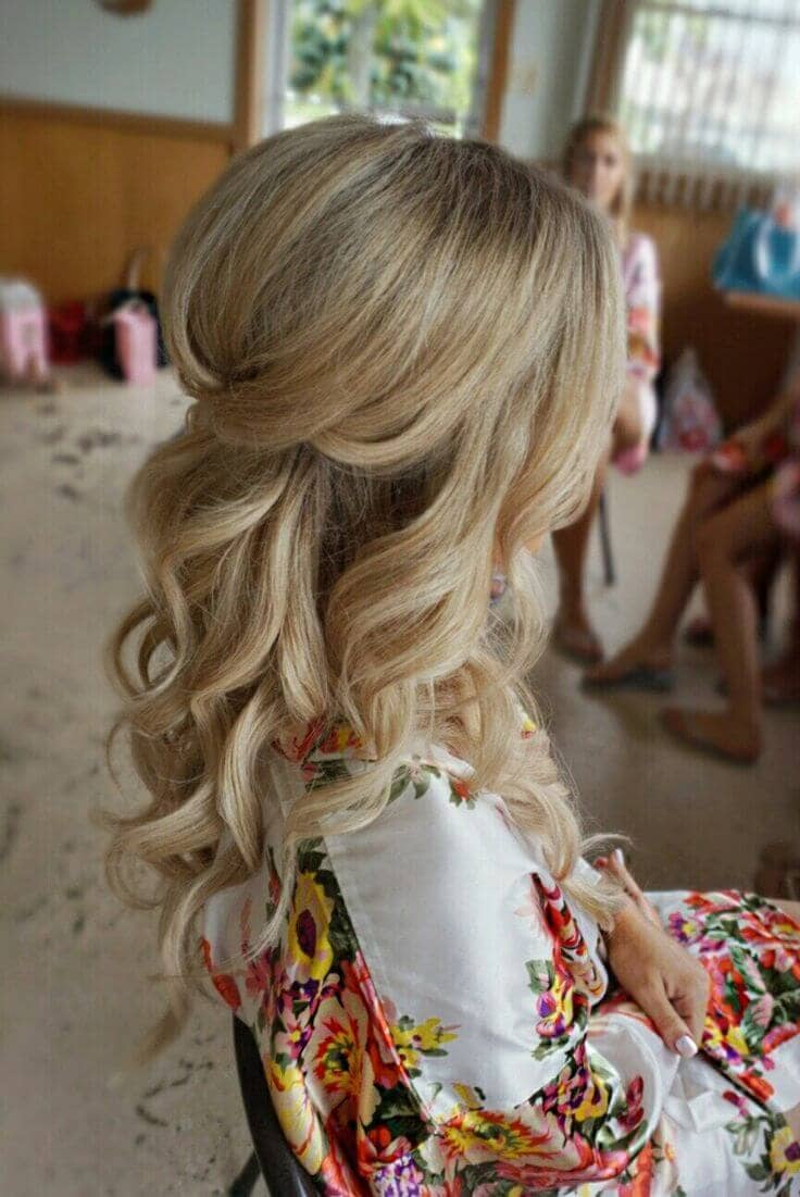 A Chic Twist & Curls Combination
