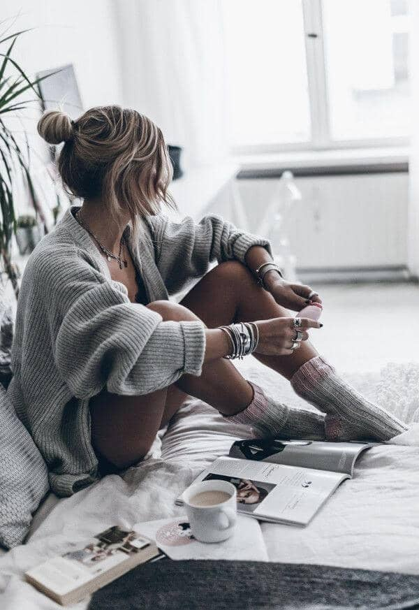 Sexy Lazy Day Sweater Look