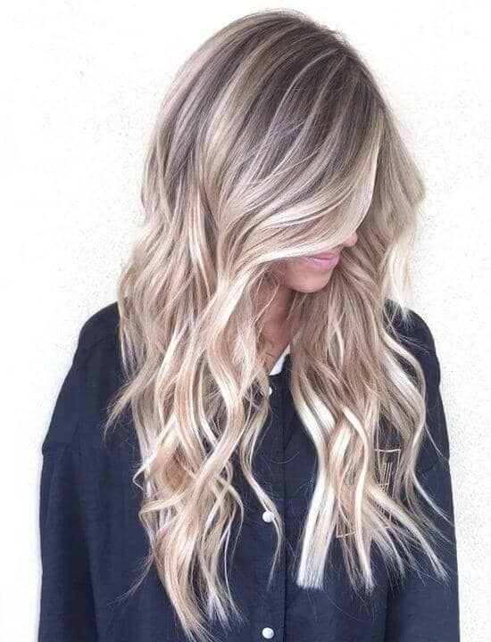 Beachy balayage hairstyle with tons of dimension