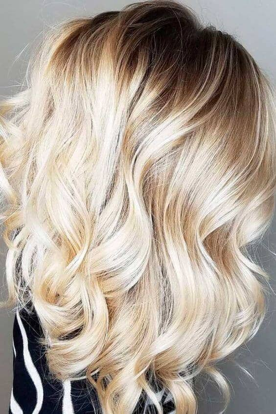 Curly blonde that's perfect for date night