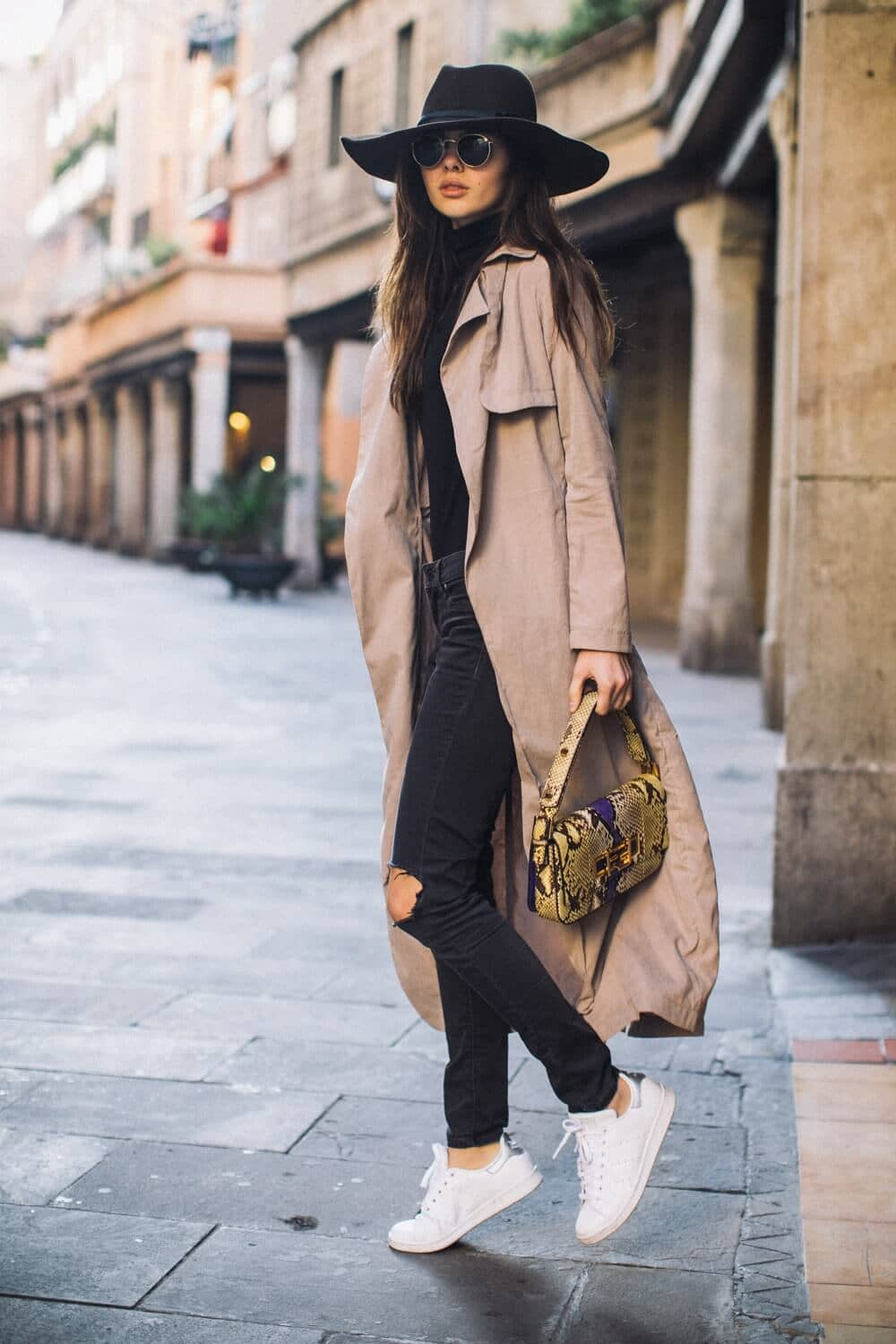 Street Style-inspired Trenchcoat Outfit