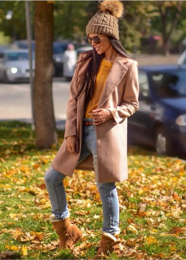 Comfortable Taupe And Mustard Yellow Look