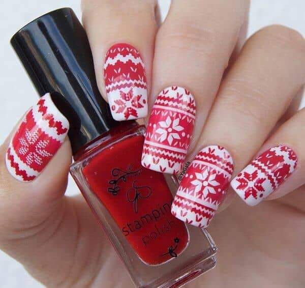 Holly Red With Sweater Pattern Nail Art
