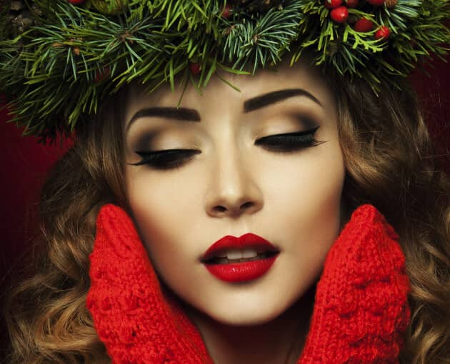 Subtle Smoky Eye With Red Lips