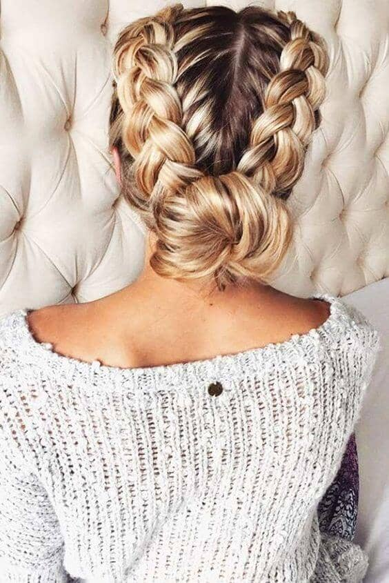 Double Braided Low Party Knot