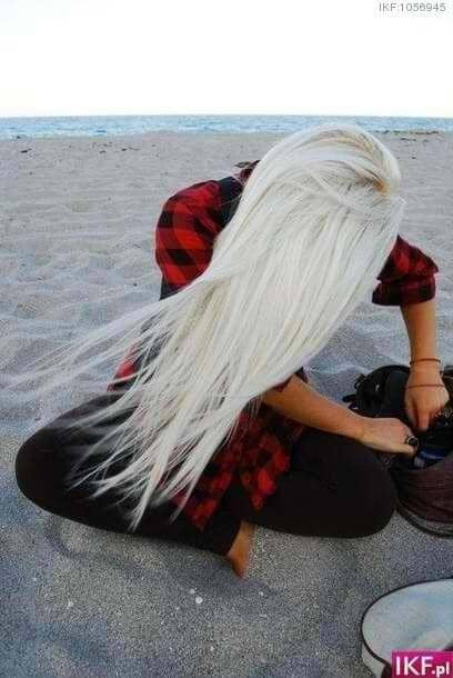Windblown Ice Blonde Beach Hair