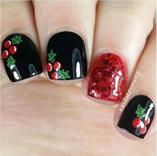 Classy Holly and Ivy with Red Accents