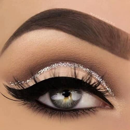 Winged Liner with a Twist