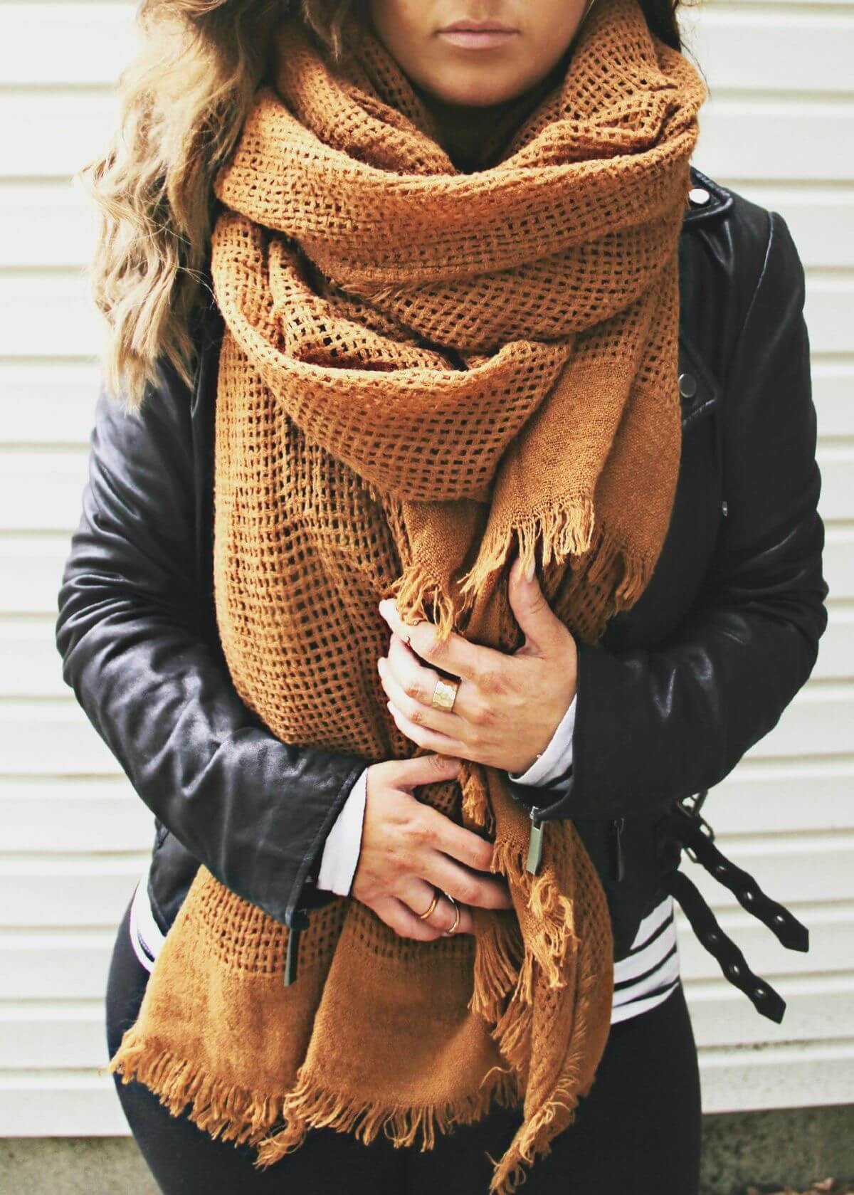Tawny Open-knit Blanket Scarf With Leather Jacket
