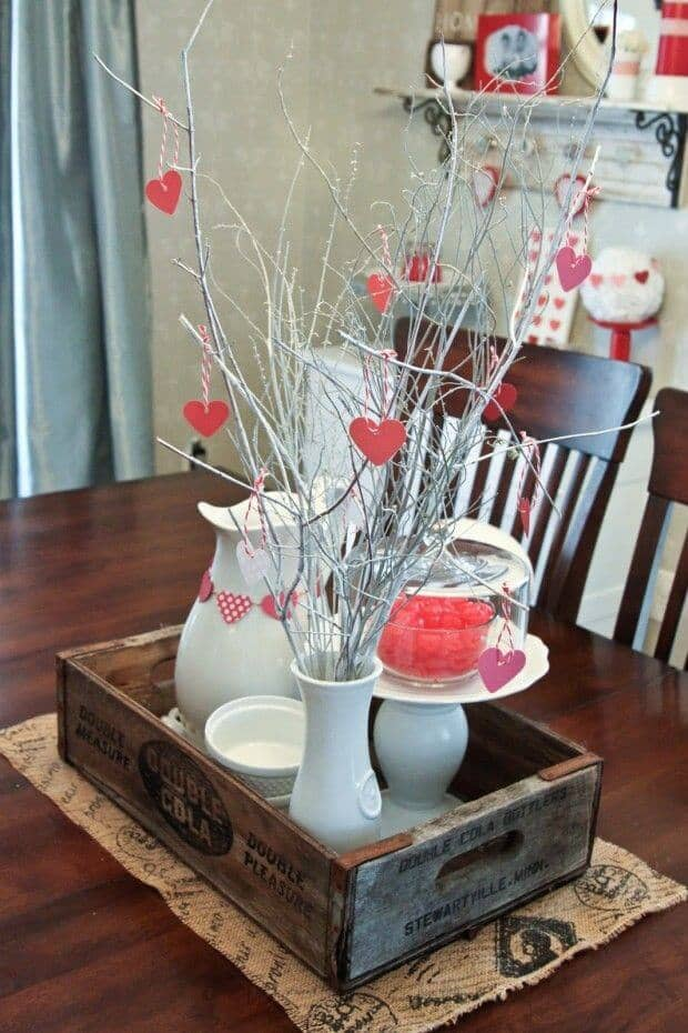 Dining Room Table Valentine's Day Decoration Ideas