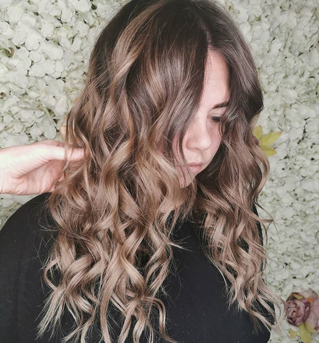 Honey Brown Curled Light Ended Hair