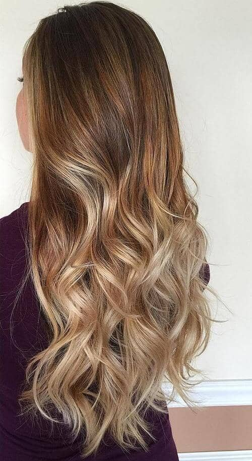 Caramel-to-Blonde Flowing Balayage Beauty