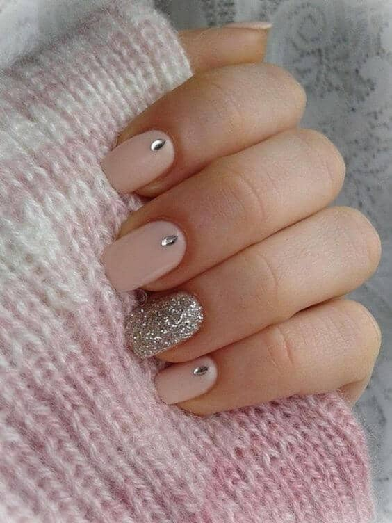 Teardrop and Glitter Short Acrylic Nails