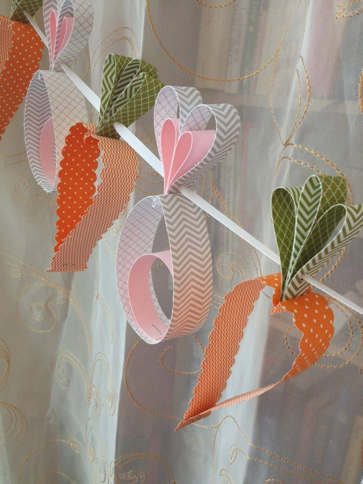 Carrot Garland from Curled Paper