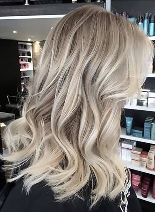 Effortless Hairstyle for Light Hair