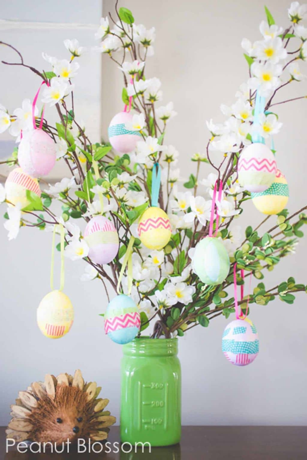 Easily-Made Festive Easter Decoration Tree