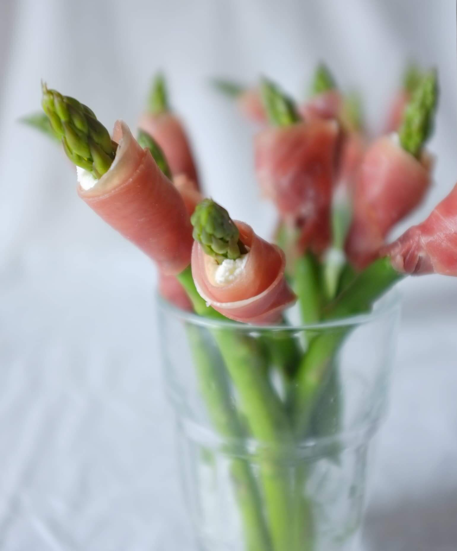 Asparagus Flowers Wrapped with Prosciutto
