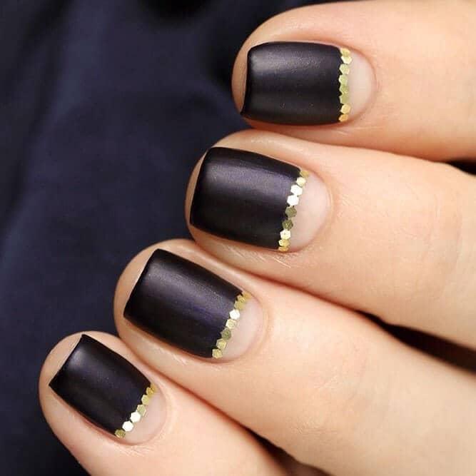 Sleek Gold Beaded Princess Nail