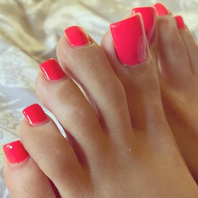 Red with Black Tips Toenails