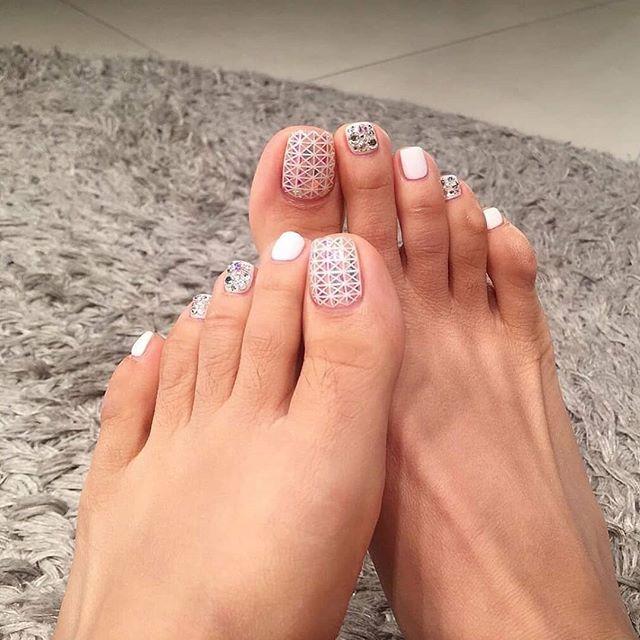 Intricate Shape Pattern White Nails