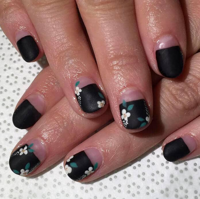 China Doll sweet flowers and black short nail design