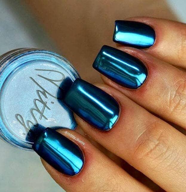 Short and Metallic Dark Blue Nails