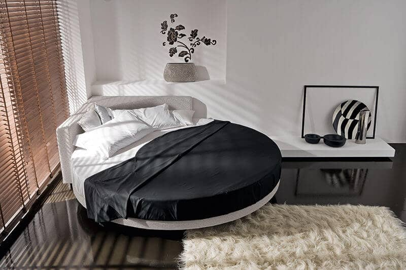Cool Circle Bed With Corner Feature