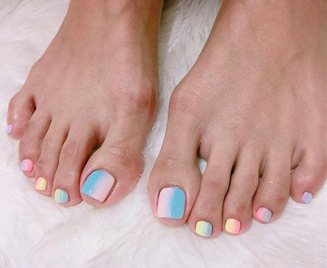 Pastel Ombré Toe Nail Designs