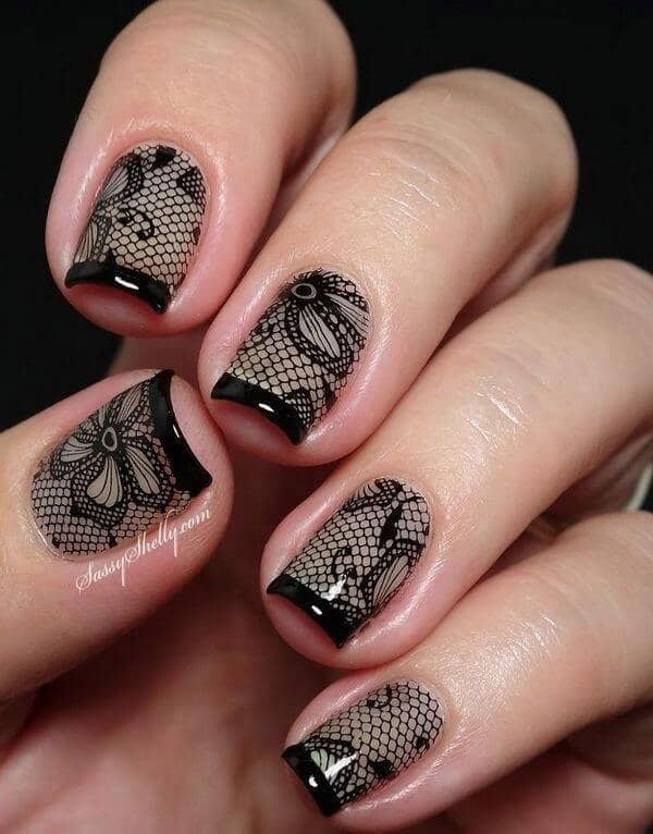 Traditional lace style with black tips
