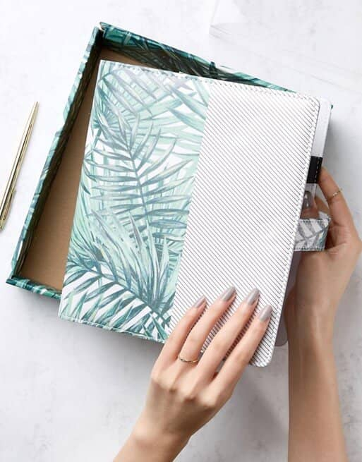 Stylish and Functional Planner with Leaf Print