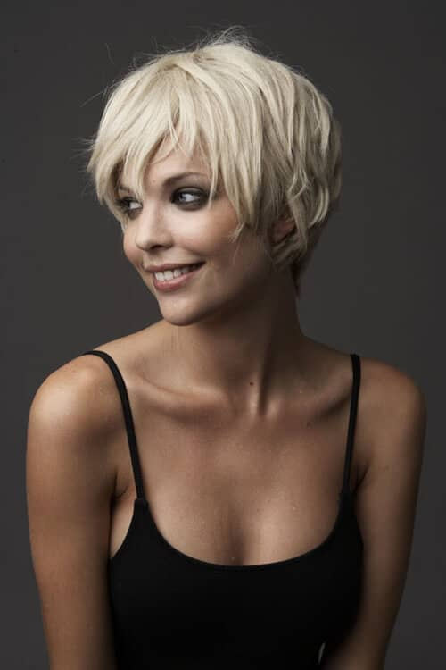 Pretty Hairstyle for Growing Out a Pixie