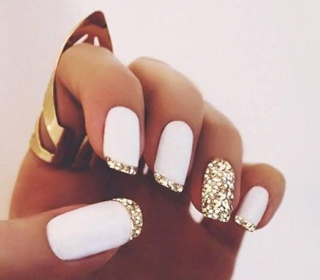 Splashy Nail Design with Gold Glitter