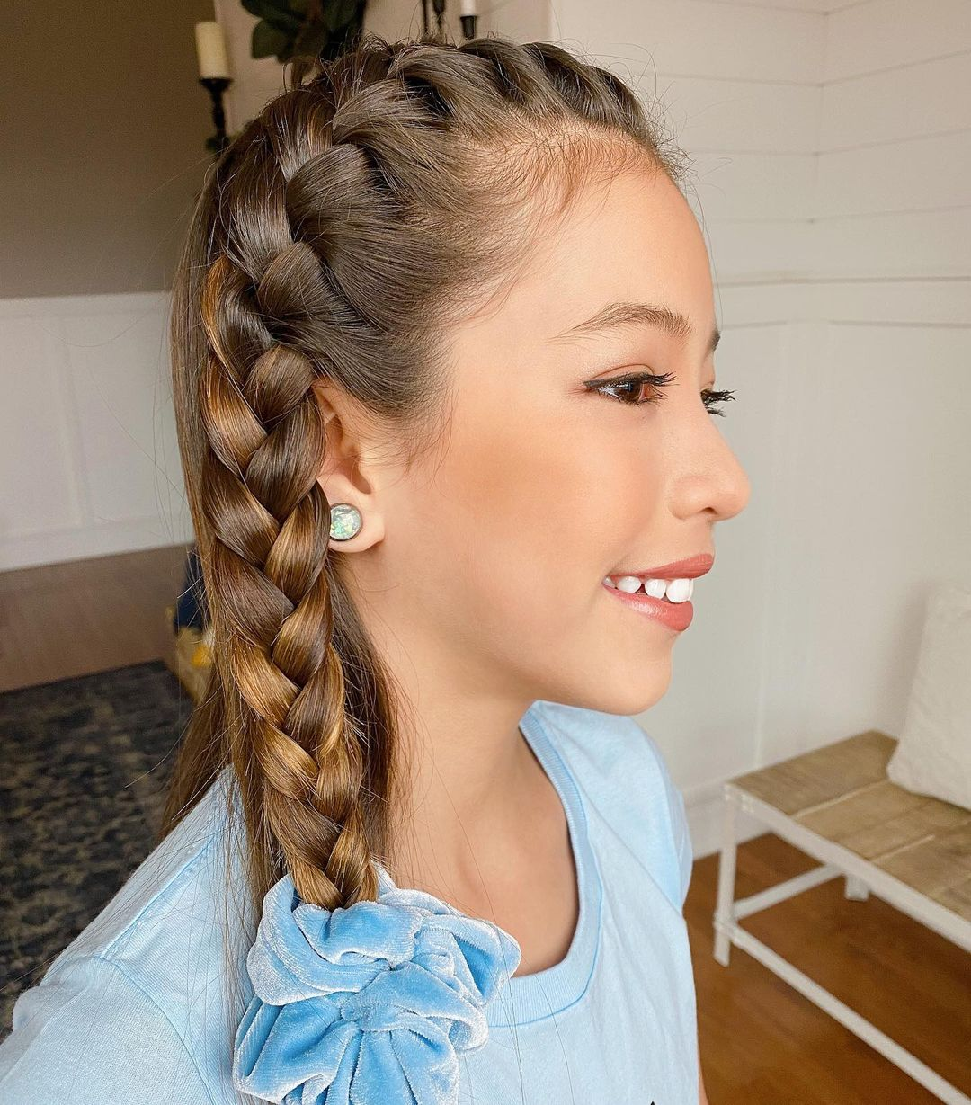One-Sided Neat Braid Hairstyle to Turn Heads
