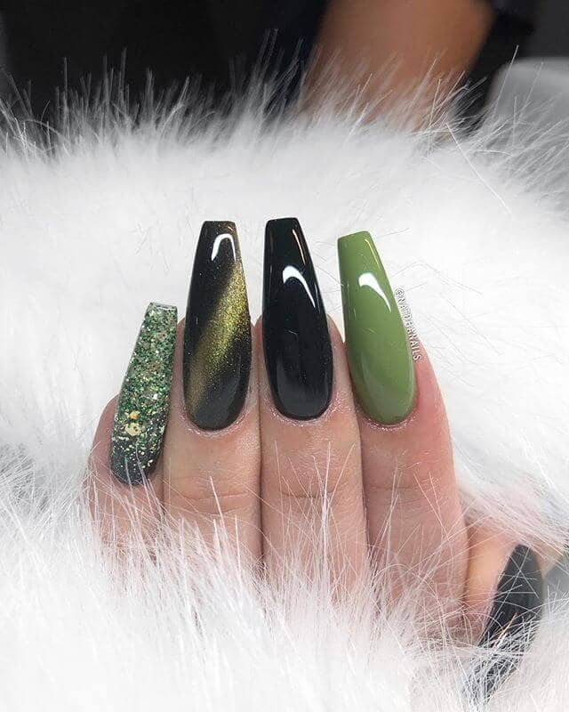 Mother Of Dragons Green Manicure With Glitter