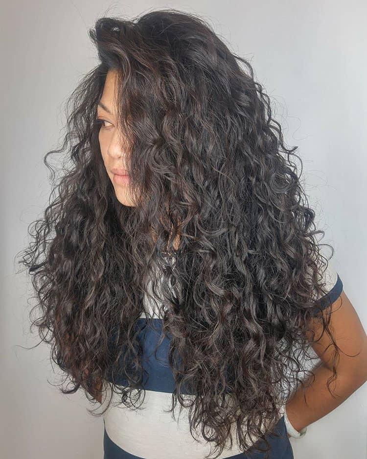 Rolling Rapunzel Waves Of Long Curls