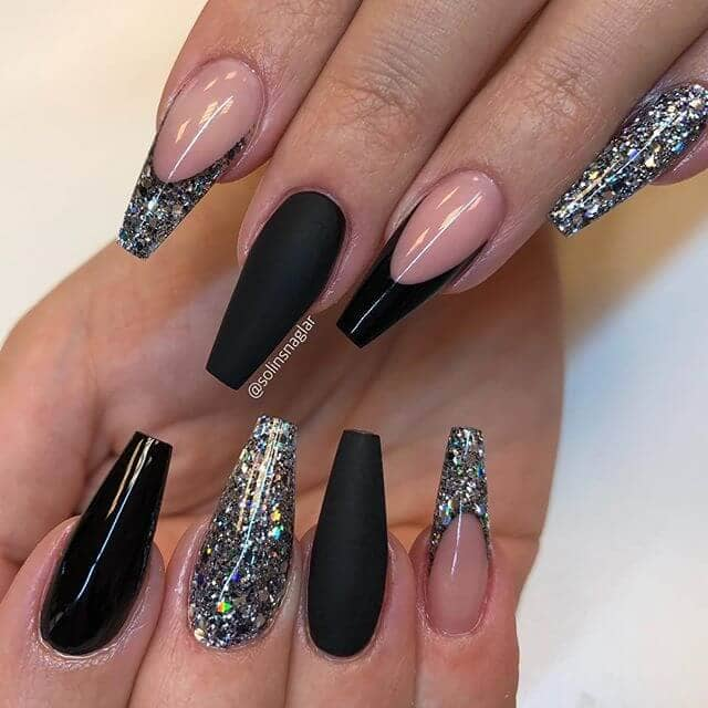 High Drama Hollywood Black And Glitter Nails