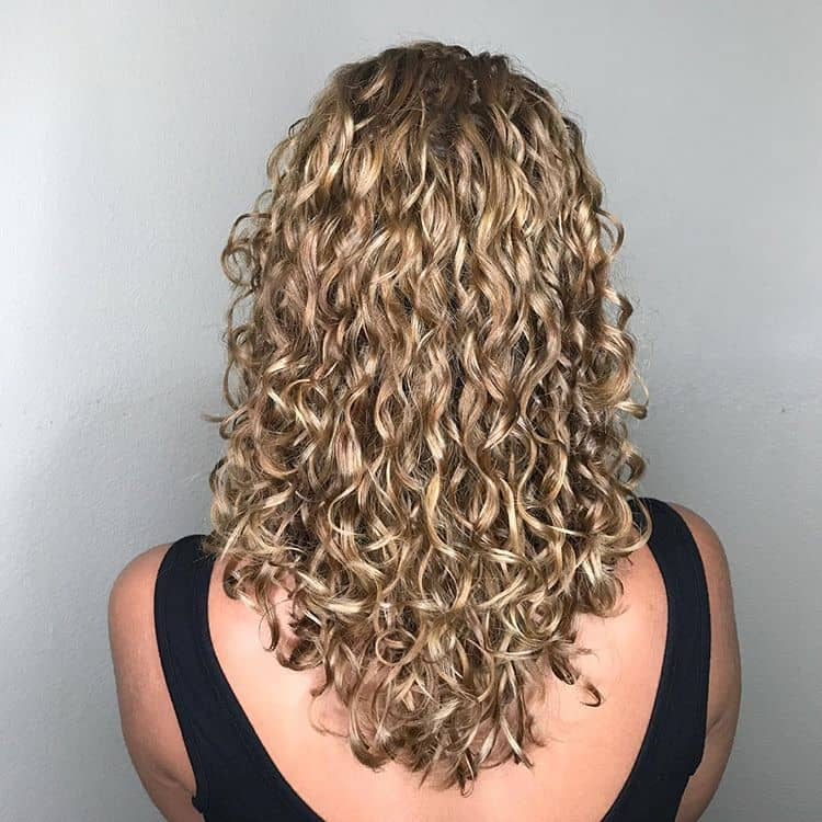 50 Brilliant Haircuts For Curly Hairstyle 2020 Art Design And Ideas