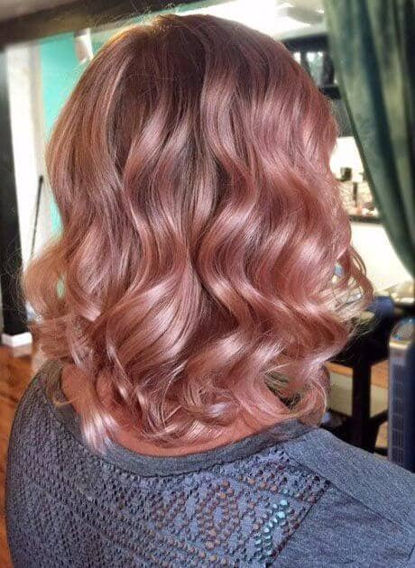 Rose Gold Curls With a Glossy Shine