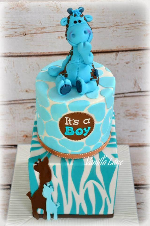 "Smiling Giraffe Topper Announces ""It's a Boy"""