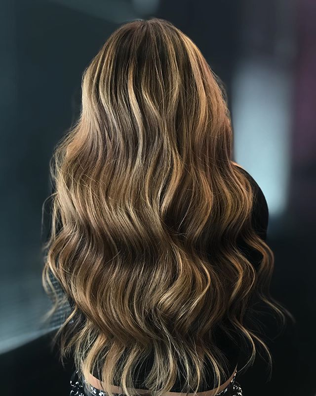 Fabulous Triangle Balayage and Brunette Combination