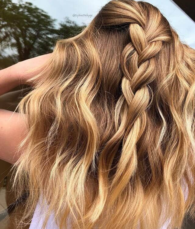 Unraveled Half-up Braid with Loose Waves