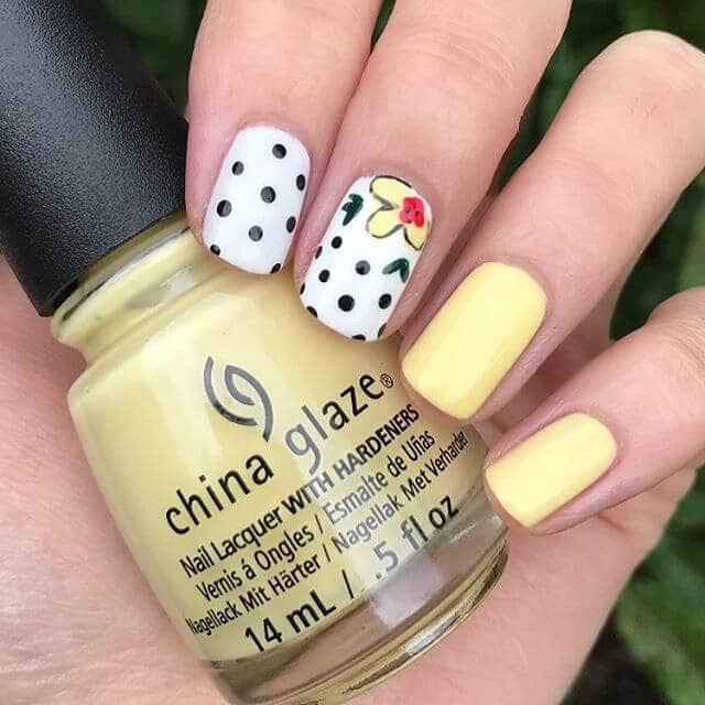 Cute and Chic Banana Yellow Nails